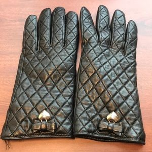 Coach quilted leather gloves